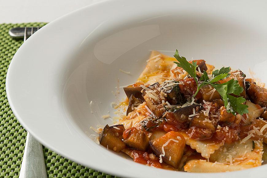 A clássica pasta alla norma é uma das receitas do curso ede culinária italiana da  Accademia Gastronomica