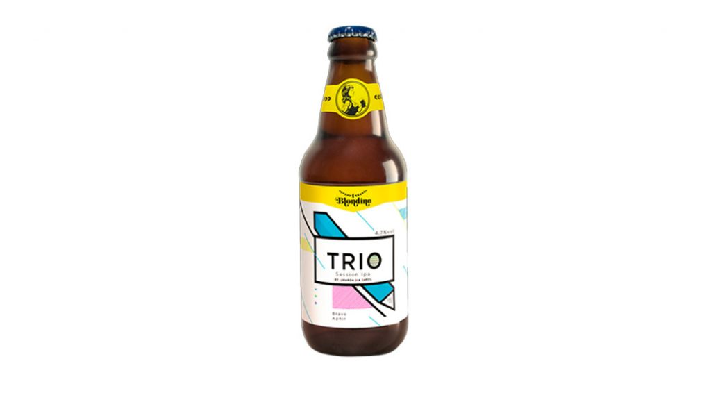 estou bebendo Blondine Trio Session IPA Foi concebida pelas sommelières de cerveja Amanda Reitenbach, Bia Amorim e Carolina Oda. Tem notas cítricas moderadas, amargor idem, corpo leve. Por R$ 16 (310 ml) na Cervejoteca Vila Mariana.