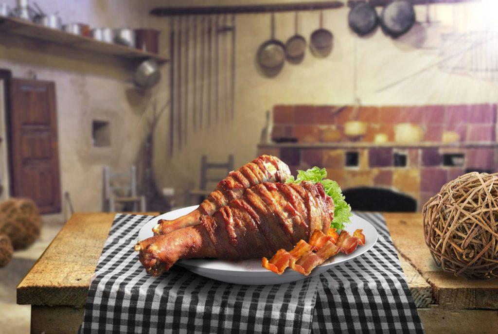 Coxa de peru defumada com bacon