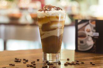 O frapê especial (café, sorvete de creme, doce de leite e chantilly) é uma das sugestões do Caffe Latte para o evento (foto: divulgação)