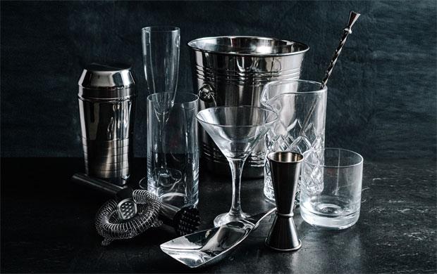 Descubra quais os itens essenciais para montar o bar em casa