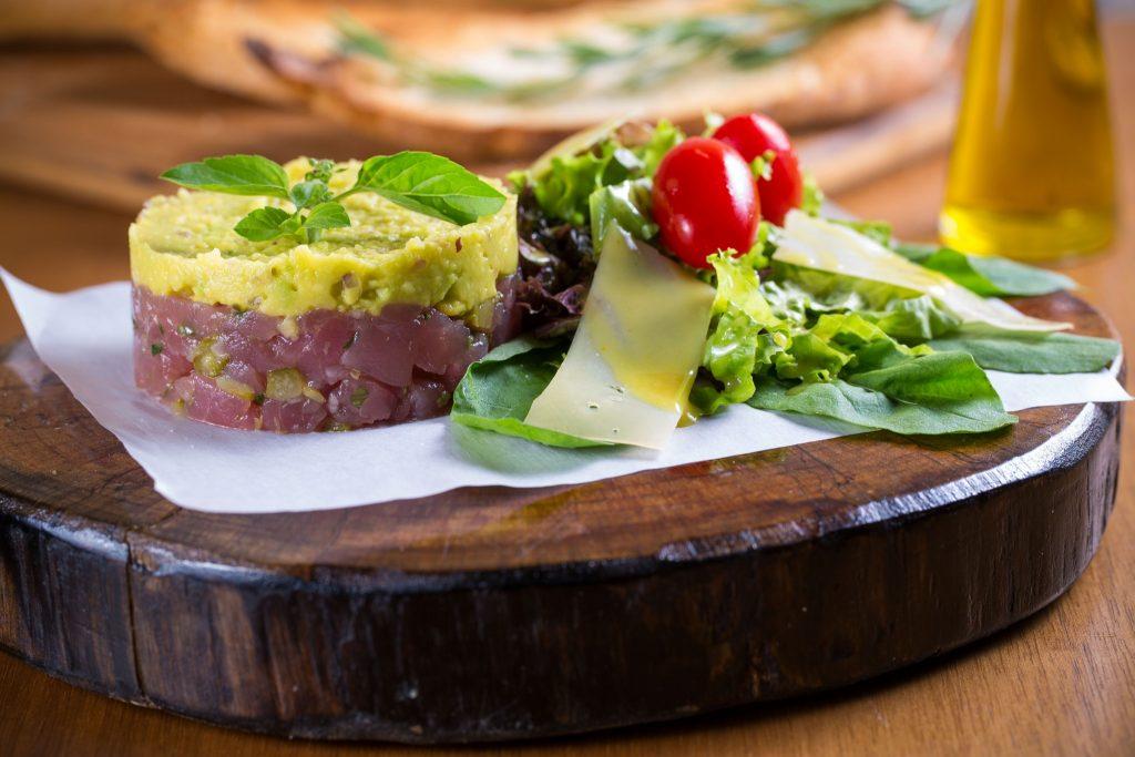 Tartar de atum com avocado (foto: divulgação/ Mario Rodrigues)