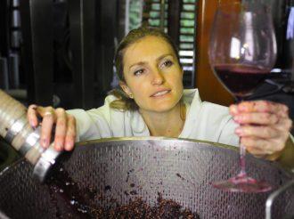 A enóloga Mônica Rossetti, que fez carreira na Lídio Carraro (foto: divulgação/Gil Gomes)