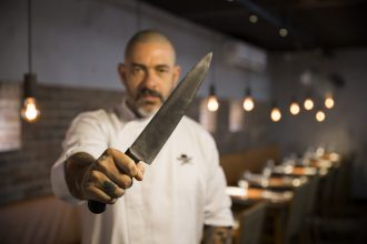 O chef Henrique Fogaça faz sua estreia no Rio (foto: divulgação)
