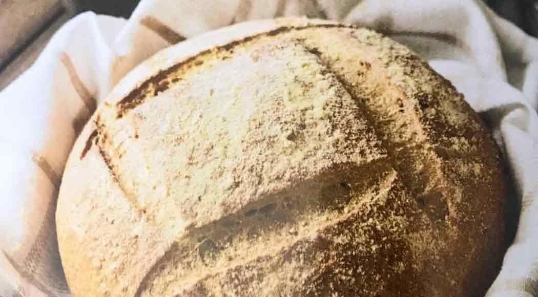 Pão de milho feito por Rogério Shimura, do Levain (Foto: Rafael Hupsel/Ag. Istoé)