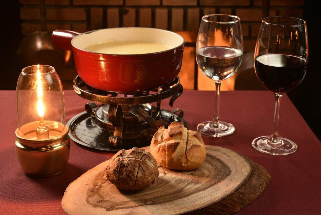 Chalezinho realiza jantar harmonizado de fondues e vinhos