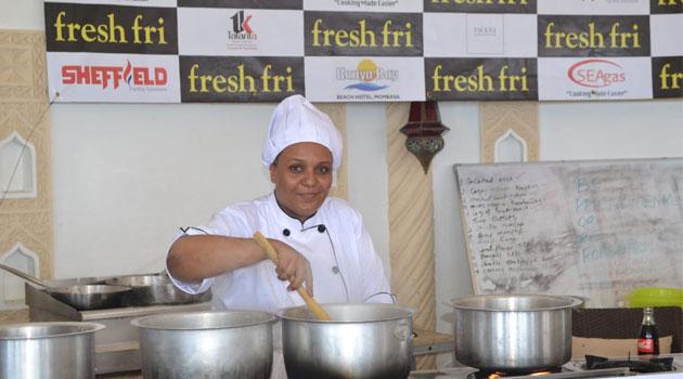 Chef queniana bate recorde mundial de horas consecutivas cozinhando