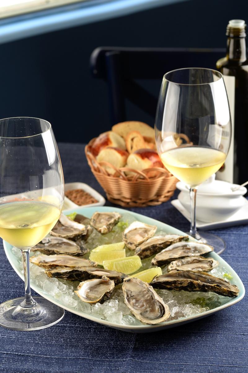 Restaurante Il Pescatore promove temporada de ostras e vinhos
