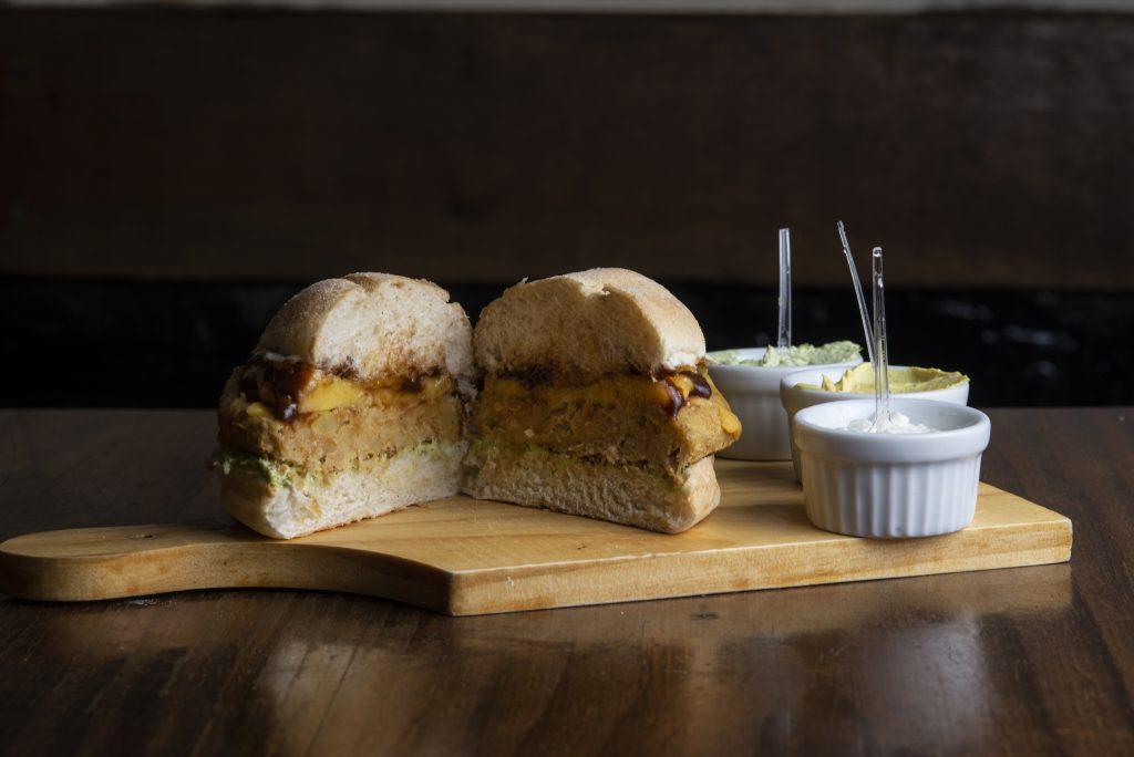 Lanchonete de Curitiba realiza 1° Festival do Hambúrguer Vegetariano