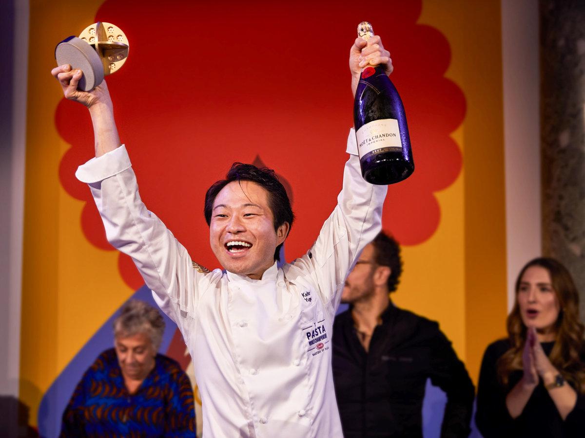 Chef japonês vence o campeonato mundial de massas