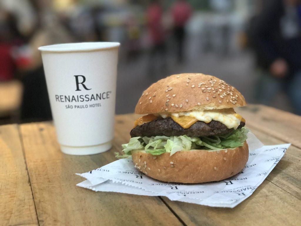Hotel Renaissance realiza festival gastronômico em rua dos Jardins
