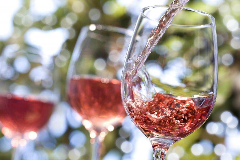 Chanel compra vinícola na Provence para produzir vinho rosé