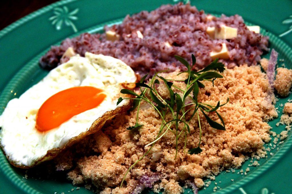 Aprenda a preparar o risoto do sertão, prato vegetariano do restaurante Dona Canô