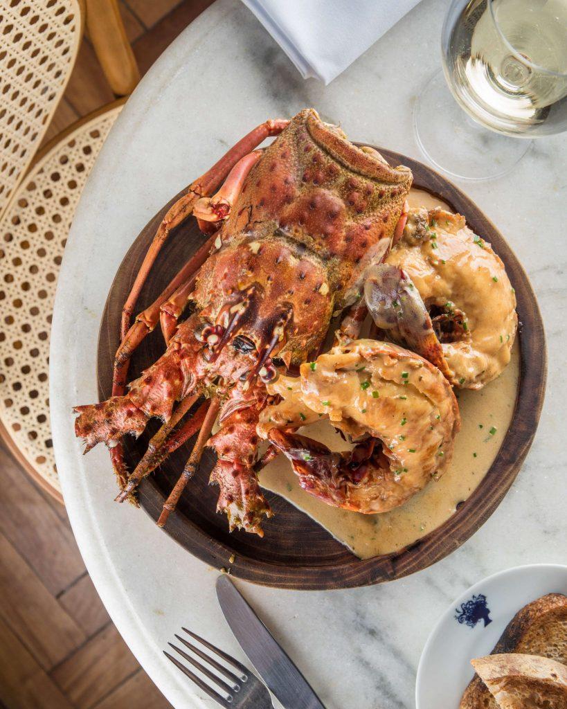 Jantar comemorativo marca o aniversário do restaurante Bagatelle