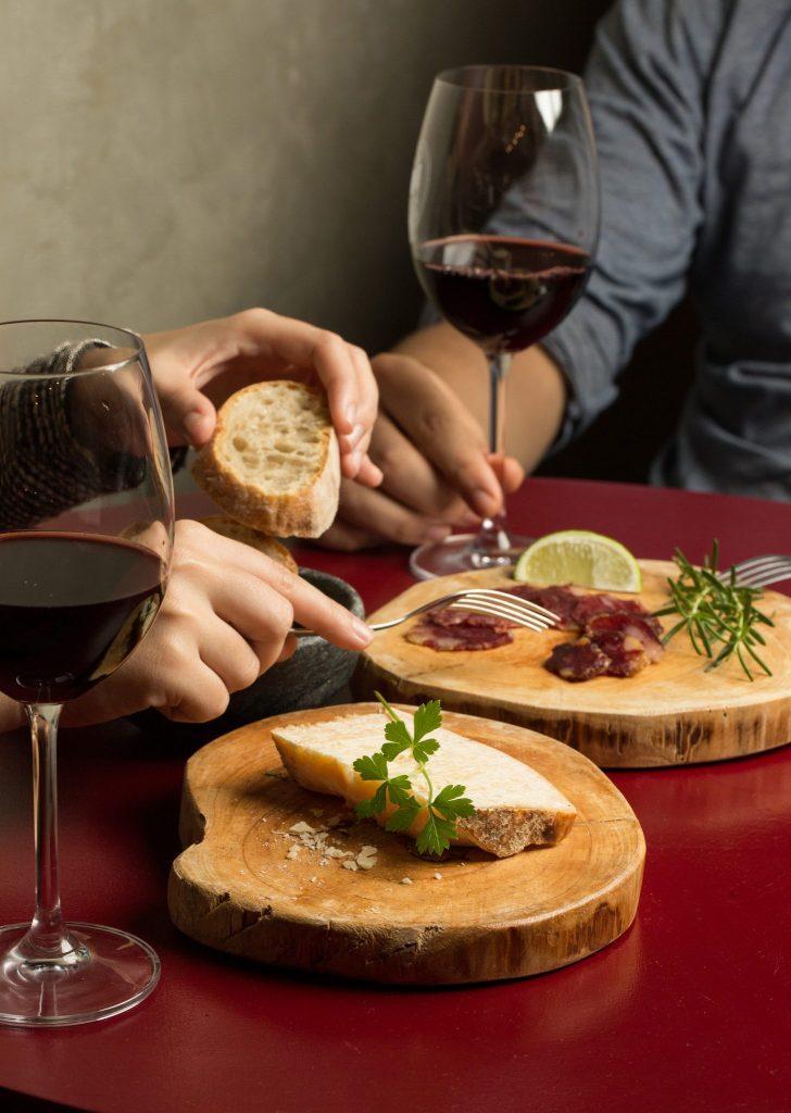 Vinhos de pequenos produtores são atração no Gino Wine Bar em Pinheiros