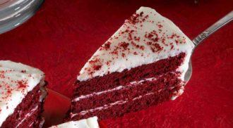 Receita simples de bolo Red Velvet. Foto: iStock