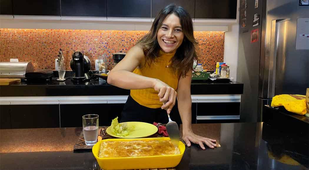 Aprenda a fazer a receita de torta de frango da atriz Dira Paes. Foto: reprodução Instagram
