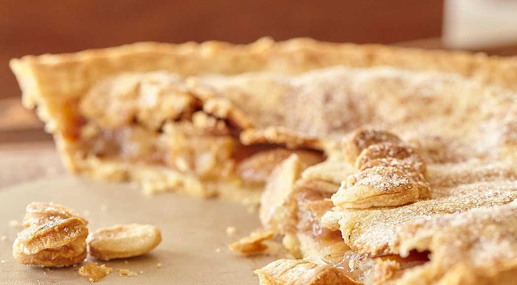 Torta de maçã clássica é opção rápida até para o café da manhã. Foto: Carlos Patino