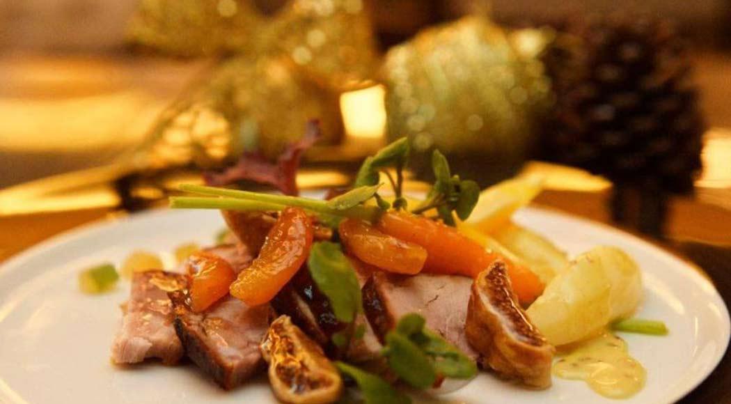 Celebre o Ano Novo com um delicioso pernil com frutas secas
