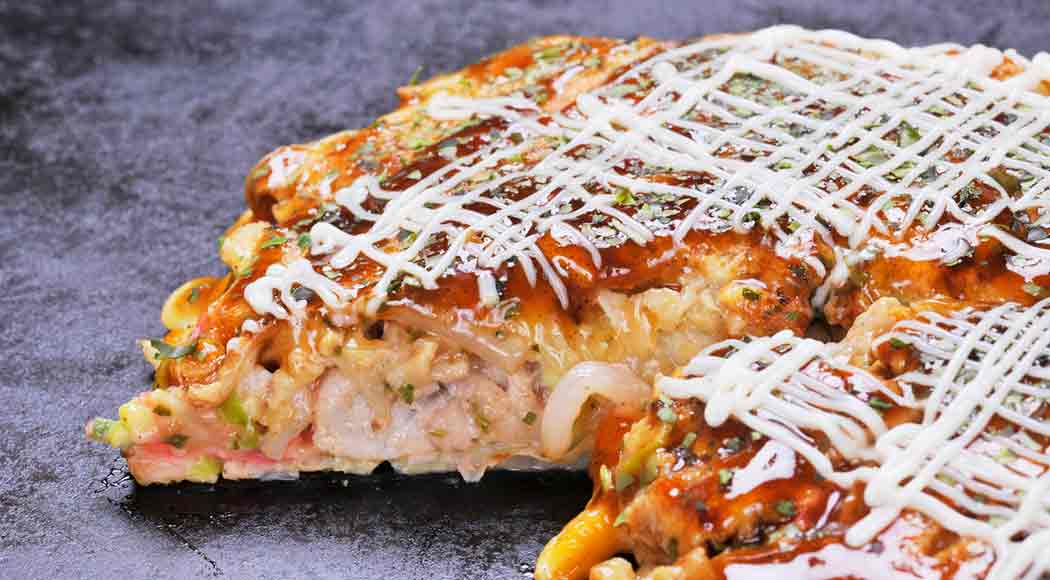 Aprenda a fazer em casa okonomiyaki, a panqueca japonesa. Foto: iStock